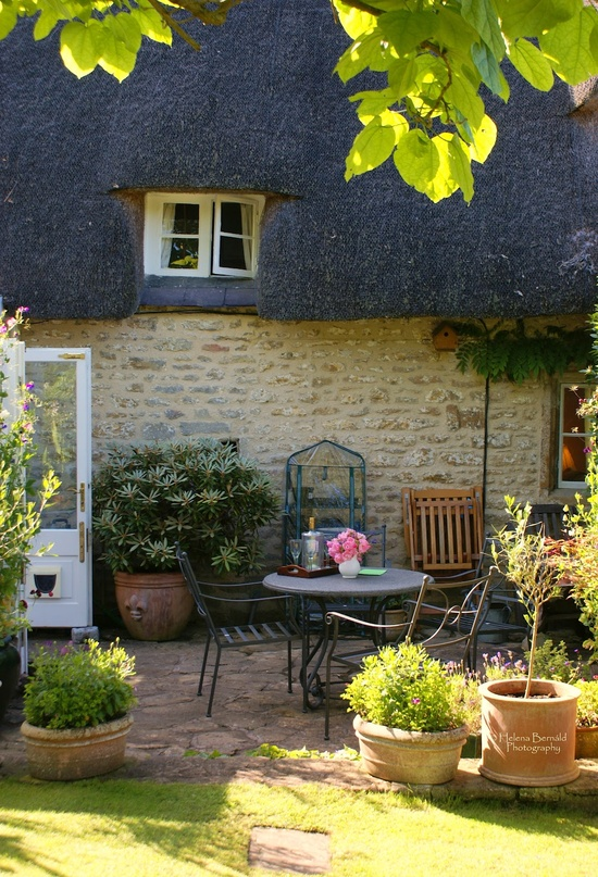 Heir And Space: Design Inspiration: English Cottage
