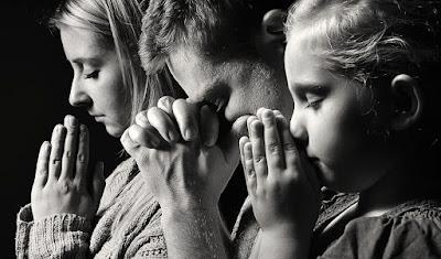 Por que devemos orar uns pelos outros