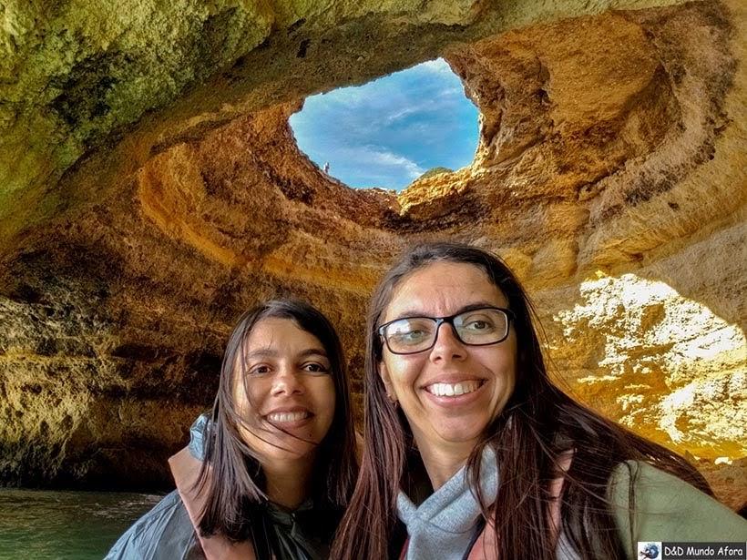 Conhecendo Benagil Caves no Algarve no passeio de barco