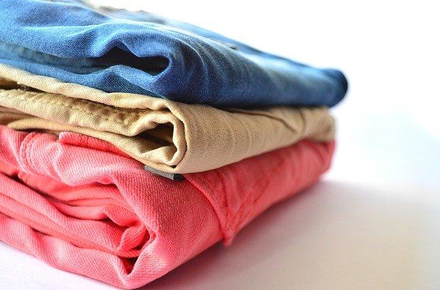 5 Cara Mudah Usir Bau di Pakaian