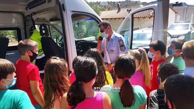 Μαθήματα οδηγικής συμπεριφοράς σε μαθητές του Δημοτικού Σχολείου Αγίου Αδριανού (βίντεο)