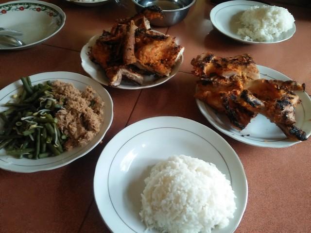 Sensasi kelezatan ayam panggang Bangi;Ayam Panggang Utuh atau ¼ Tetap Nikmat;;