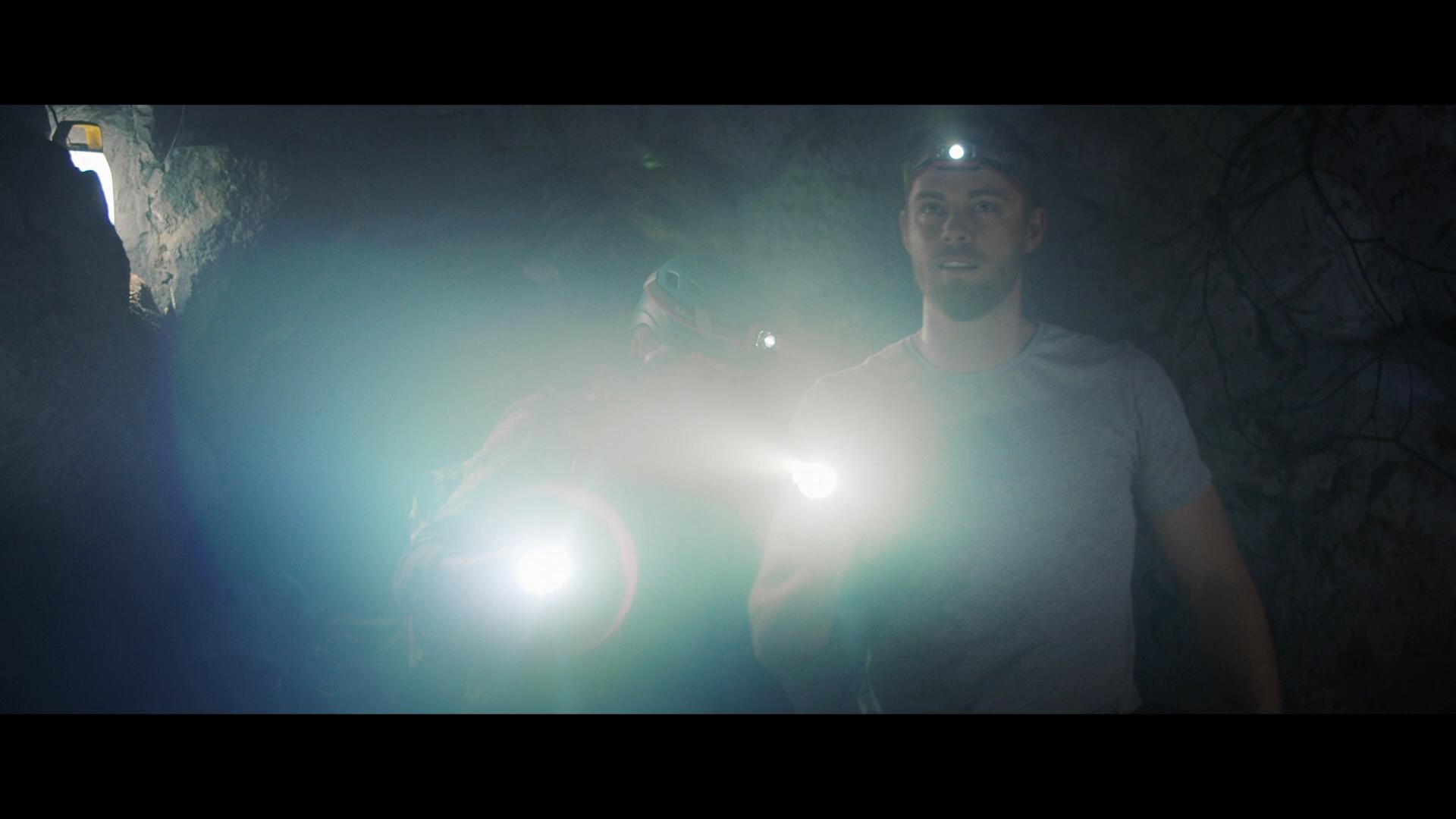 Abismo (2020) 1080p BRRip