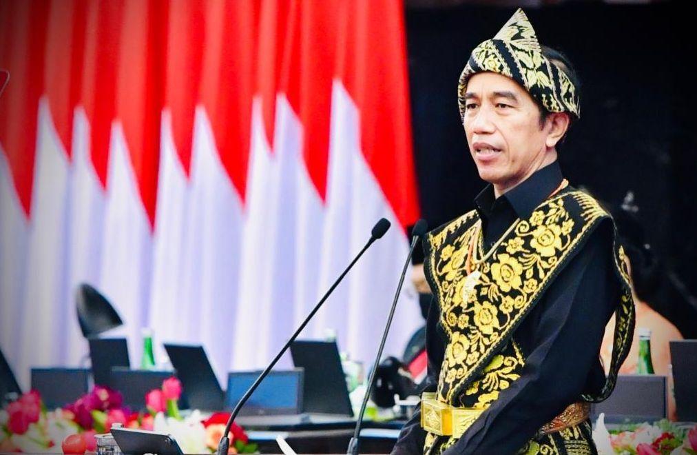Jokowi Berharap Masyarakat Takut Kepada Allah Bukan Sanksi