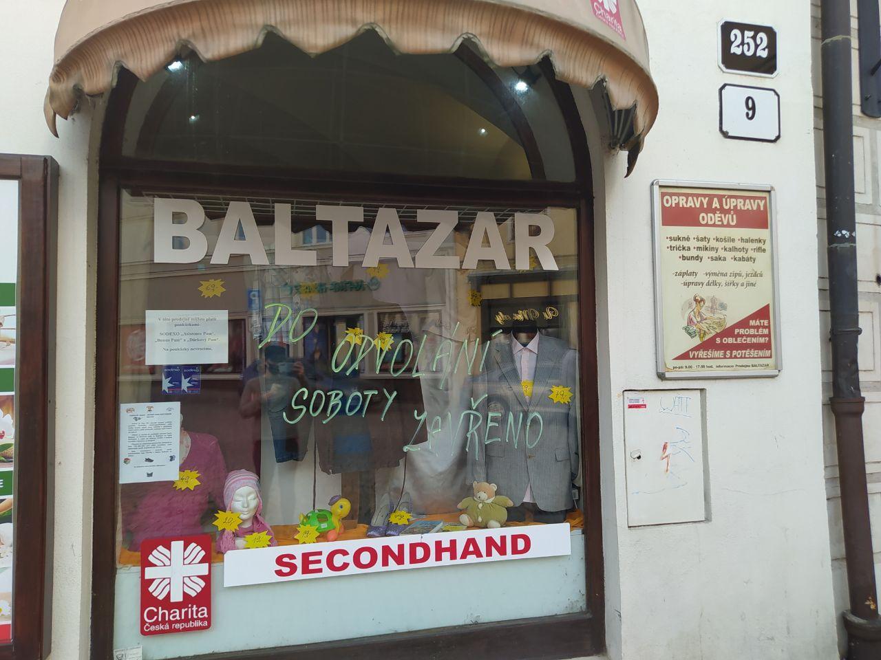 Od 14. března v Česku platí zákaz provozu kamenných obchodů s oblečením. Foto: Sára Jeschkeová