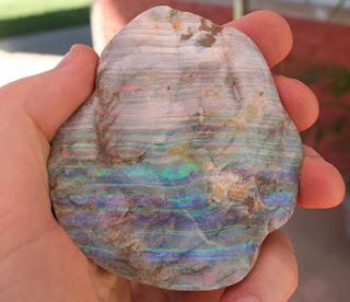 Serviço de identificação de pedras preciosas no Brasil