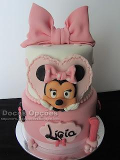 Um bolo Minnie para o 1º aniversário da Lígia