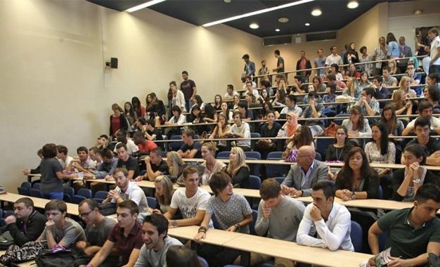 Augmentation des bourses universitaires