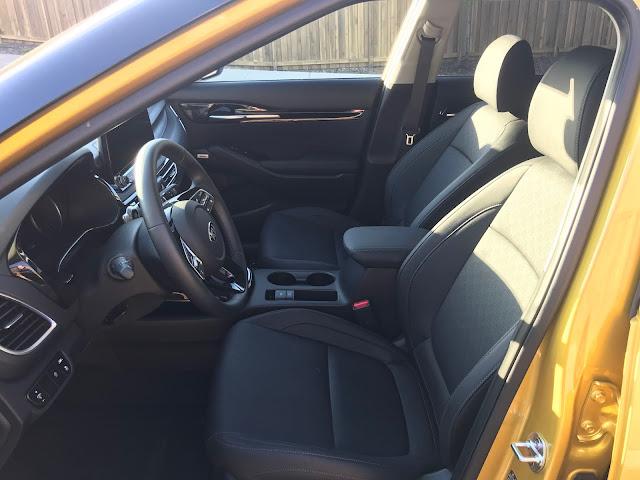 Front seats in 2021 Kia Seltos SX Turbo AWD