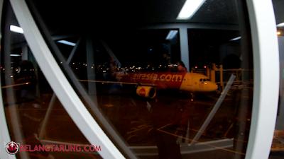 Airasia A320 Walkbridge View