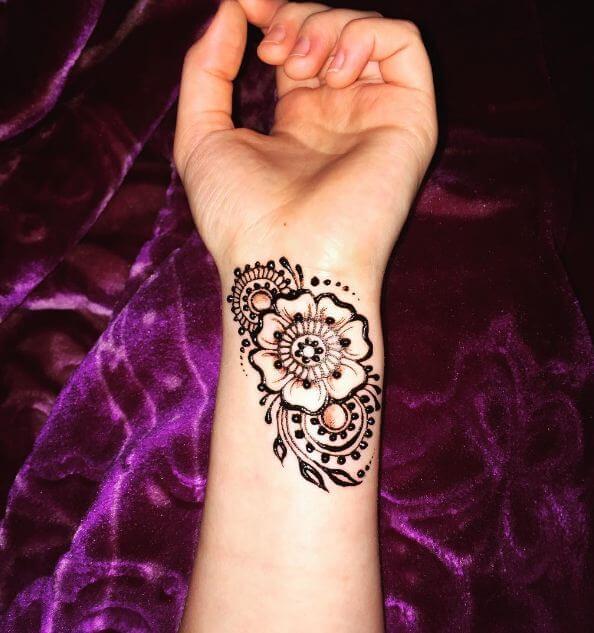 50 Amazing Henna Tattoos For Girls 2019 Tattoosboygirl