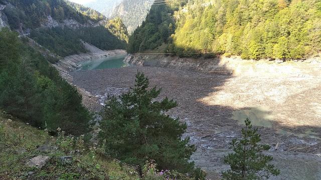 мусор ингурское водохранилище