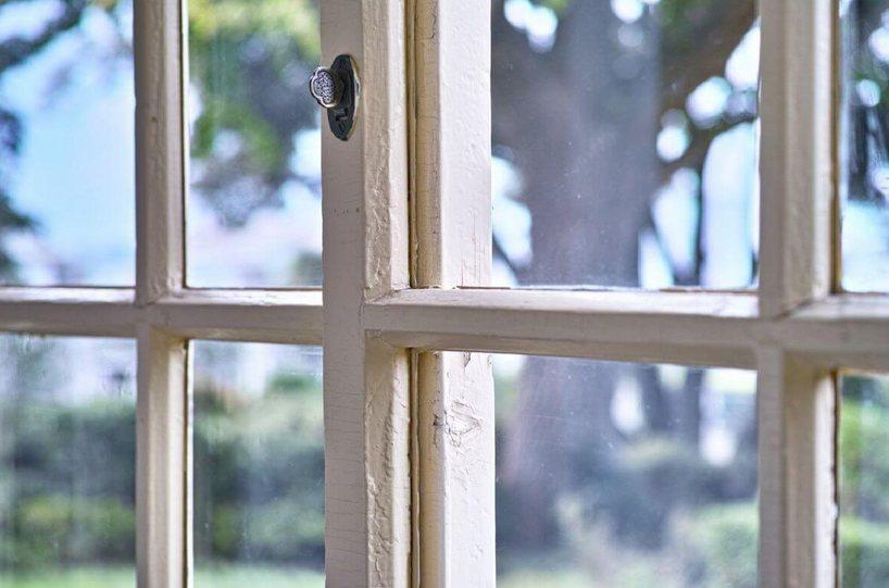 Medinių langų priežiūra