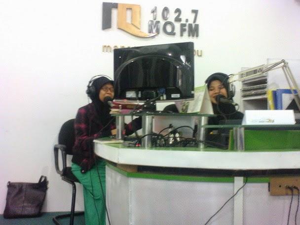 talkshow di radio MQFM Bandung
