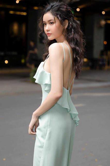 """Trương Quỳnh Anh mặc bikini """"nhức mắt"""", dáng ngồi bị chê """"kém duyên"""""""