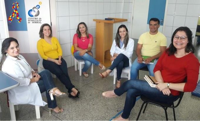Centro de Reabilitação de Sobral realiza oficina de Educação Permanente com os profissionais do setor de Estimulação Infantil