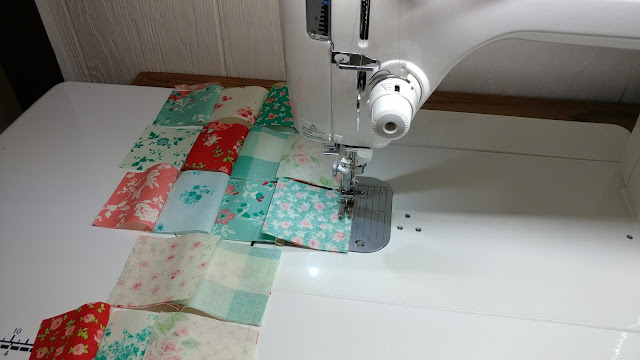 Laura Ashley Elm Park mini quilt with scalloped edges
