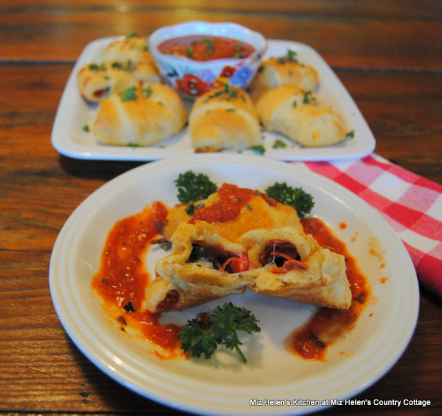 Pizza Roll Appetizer at Miz Helen's Country Cottage