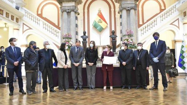 Evo llama a unidad tras nueva ley sobre elecciones en Bolivia