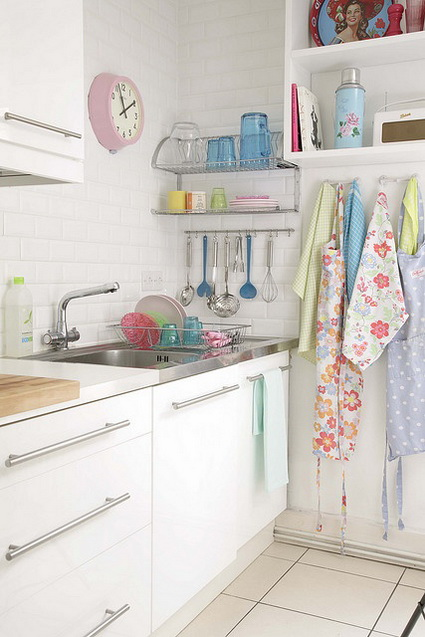 Kitchens with lots of color 6