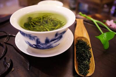 Green tea for glowing skin
