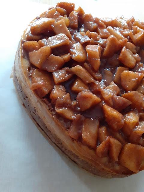 greek yogurt apple cheesecake