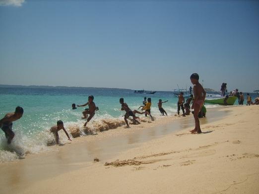 Berkunjung ke Pulau Saebus Kec. Sapeken Kangean