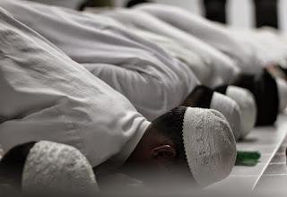 Berdoa Dalam Sujud