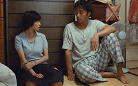 Hiroshi Abe and Yoko Maki in After the Storm (9)