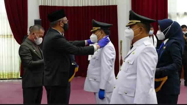 Pelantikan Bupati dan Wakil Bupati Sekadau Terpilih Periode 2021-2026, Gubernur Sutarmidji Minta Fukus Tangani COVID-19