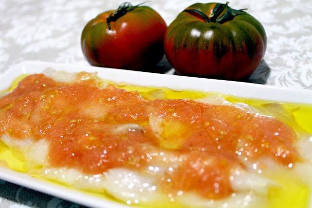 bacalao-ahumado-con-tomate-y-aceite-de-oliva.jpg