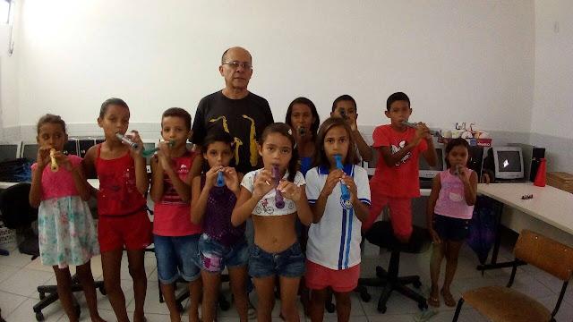 Prefeitura de Delmiro Gouveia inicia aula de música para crianças