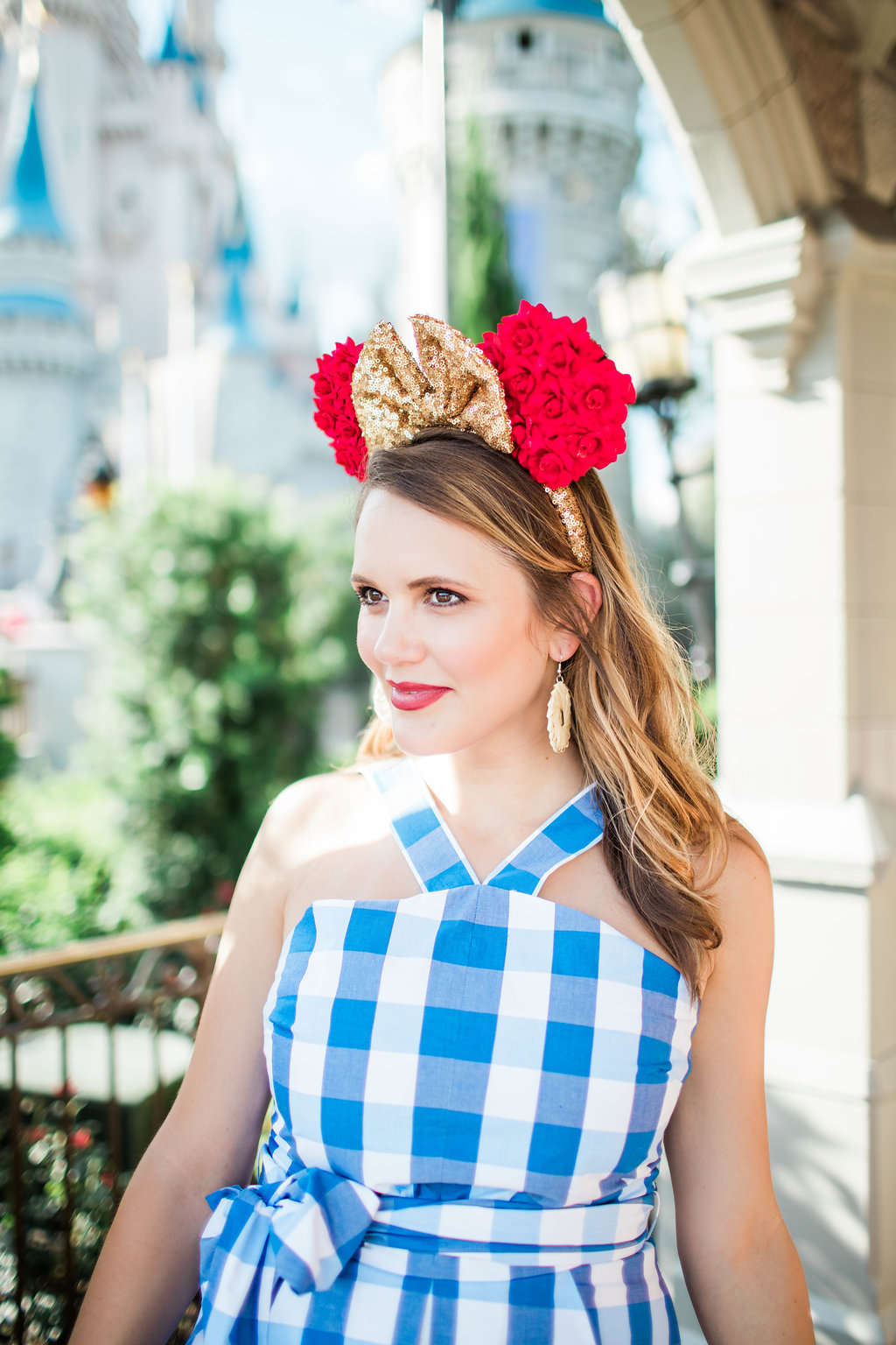 40025e2135516 Check out my Magical Castle look and be sure to peruse my favorite Draper  James outfits at the bottom of this post. I had such a blast at The Magical  ...