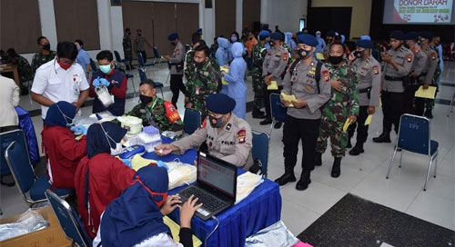 Lanadio Supadio Cooperates with PMI Pontianak City to Hold a Blood Donation