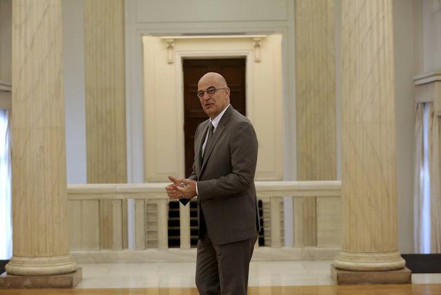 Ο Δένδιας σε ρόλο απολογητή της πολιτικής του ΣΥΡΙΖΑ