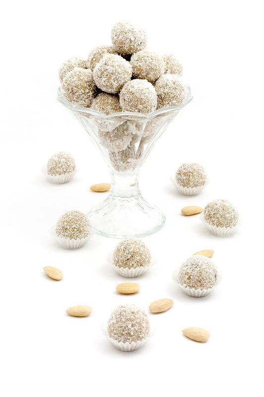 Raw raffello balls - presne raffaello kroglice naslovna fotka