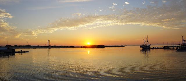 Foto Sunset di Pantai Losari