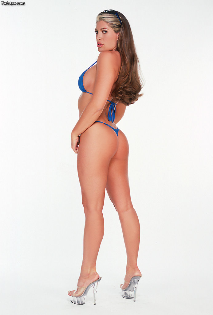 Aria Noir Bikini Photos