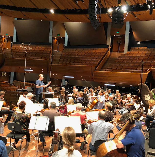 Benjamin Northey and the New Zealand Symphony Orchestra at the recording sessions (Photo Gareth Farr)