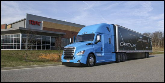 Freightliner Cascadia sellf driving gtractor-trailer