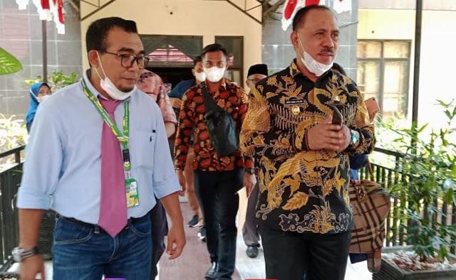 James Uang Hadiri Simposium Regional Perikanan dan Pertanian di Unkhair Ternate.lelemuku.com.jpg