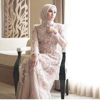 model baju kebaya modern berjilbab 2018