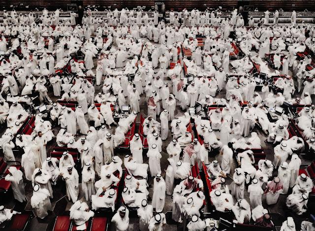 Foto Andreas Gursky Kuwait Stock Exchange II foto paling mahal di dunia dengan harga milyaran rupiah