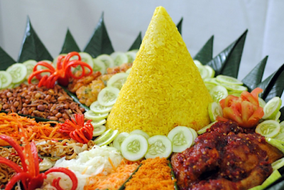 Makna Nasi Tumpeng yang Sangat Erat dengan Budaya