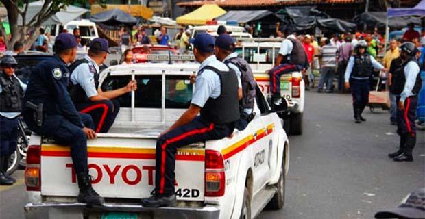 Presos dos policías de Aragua tras pedir dólares para devolver un vehículo a su dueño