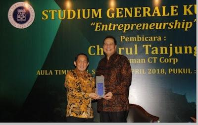 Penghargaan Chairul Tanjung - pustakapengetahuan.com