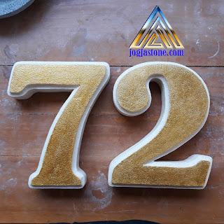 Nomor rumah pisah pisah dibuat dari batu alam jogja