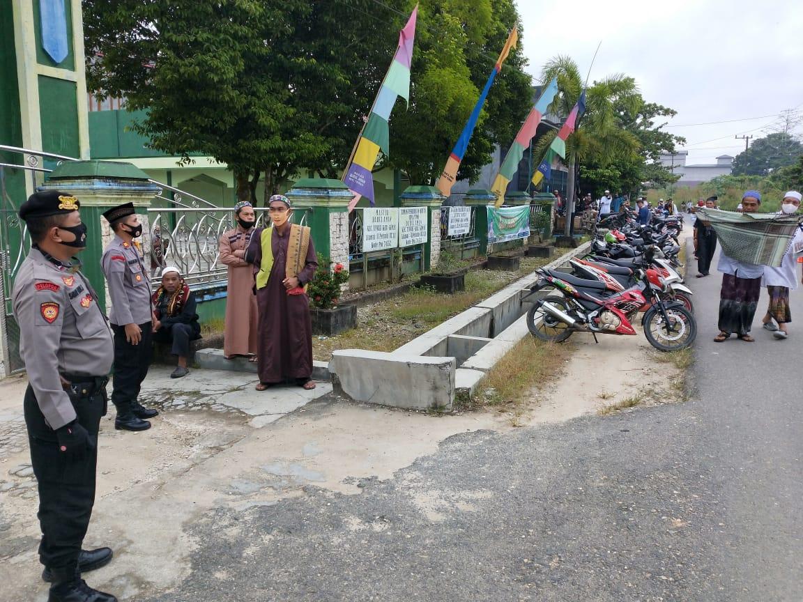 Polsek Tewah Giat Pengamanan Sholat di Masjid Darul Aman