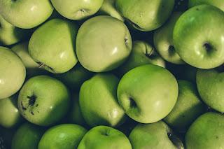 فوائد  التفاح للطيور