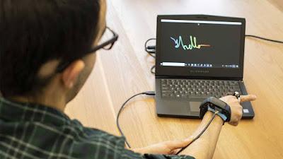 Aura wearable tech pode rastrear a localização precisa dos dedos